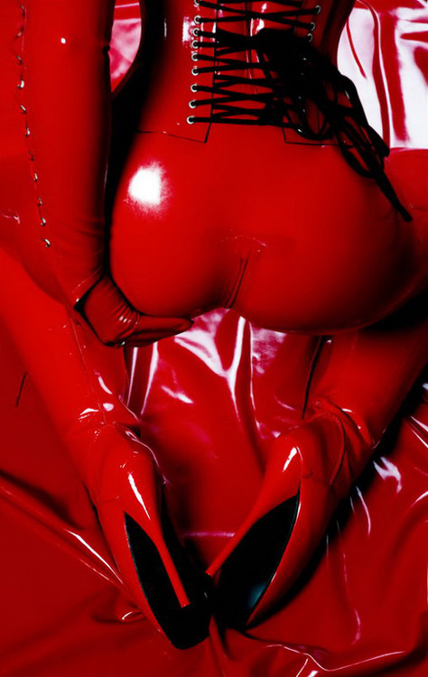 Be Latex Love.